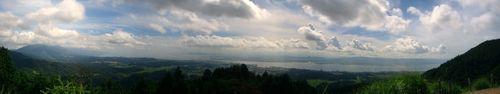 比叡山から琵琶湖を・・・(写真が小さくてスイマセン!!!)