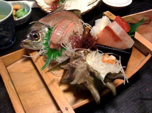 舟盛刺身(食べかけですが・・・・笑)