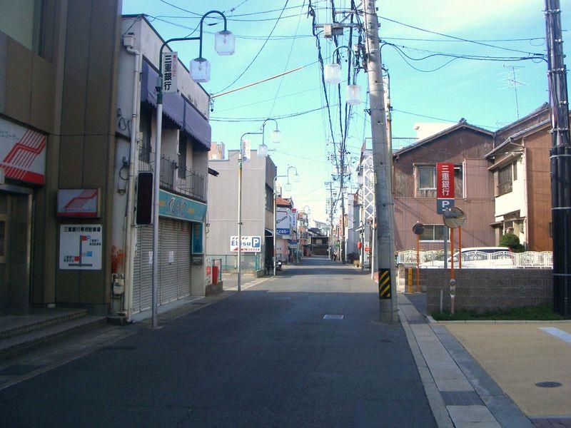 東海道五十三次 鳴海宿の街道をゆく
